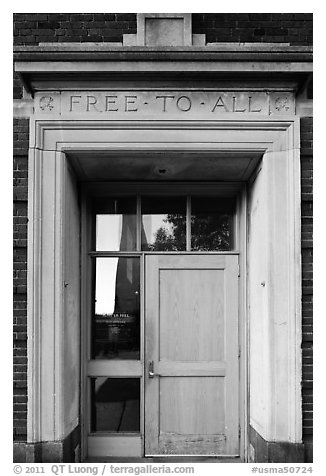 Bunker Hill library door, lintel inscribed free to all, Charlestown. Boston, Massachussets, USA (black and white)