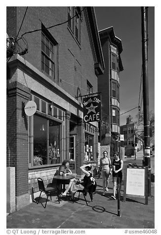 Cafe. Portland, Maine, USA (black and white)