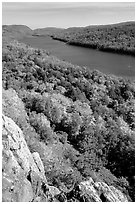 Lake of the Clouds and early fall colors, Porcupine Mountains State Park. Upper Michigan Peninsula, USA (black and white)