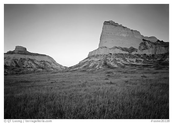 Scotts Bluff, Mitchell Pass, and South Bluff with the warm light of sunrise. Scotts Bluff National Monument. USA (black and white)