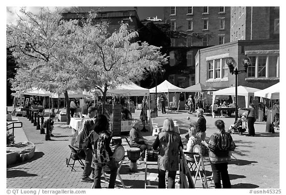 Saturday market in autumn. Concord, New Hampshire, USA (black and white)