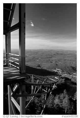View of White Mountains from Cannon Mountain, White Mountain National Forest. New Hampshire, USA (black and white)