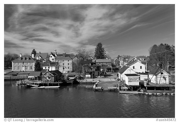 Waterfront houses. Portsmouth, New Hampshire, USA (black and white)