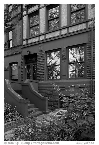Front yard and townhouse. NYC, New York, USA (black and white)