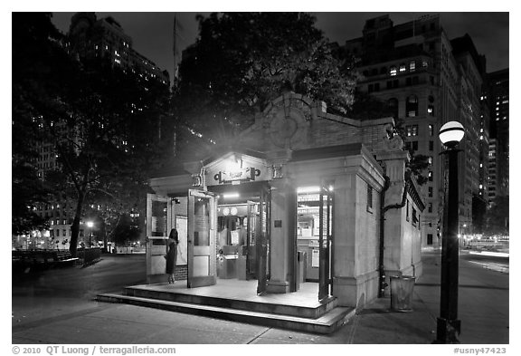 Bowling Green subway entrance. NYC, New York, USA (black and white)