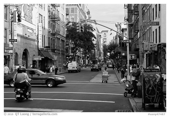 SoHo street. NYC, New York, USA (black and white)