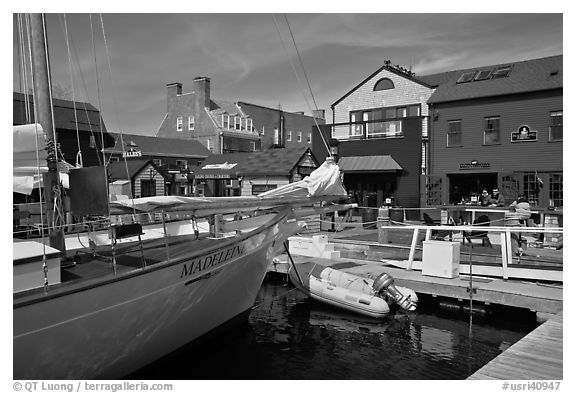 Harbor and shops. Newport, Rhode Island, USA (black and white)