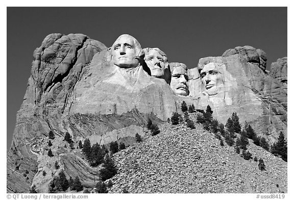 black and white picture photo borglum monumental sculpture of us presidents mount rushmore. Black Bedroom Furniture Sets. Home Design Ideas