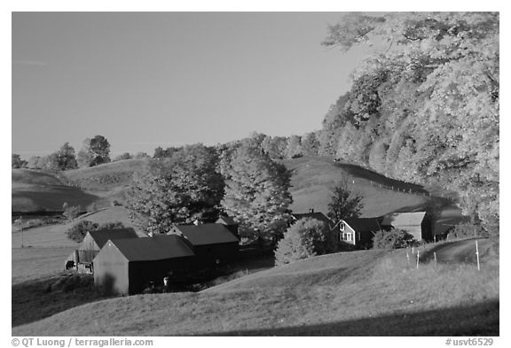 Jenne Farm, sunrise. Vermont, New England, USA (black and white)