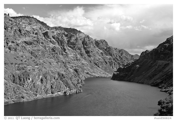 Hells Canyon Reservoir. Hells Canyon National Recreation Area, Idaho and Oregon, USA (black and white)