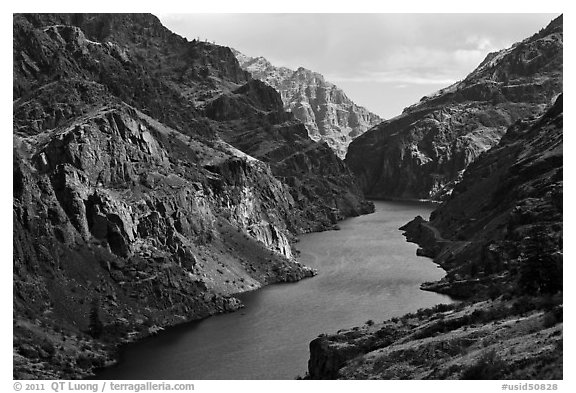 Snake River Gorge. Hells Canyon National Recreation Area, Idaho and Oregon, USA (black and white)