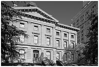 Pioneer Courthouse. Portland, Oregon, USA ( black and white)