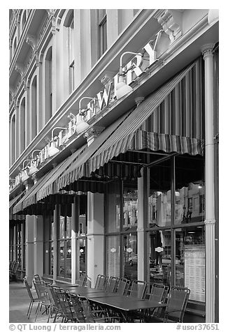 Brewery, downtown. Portland, Oregon, USA (black and white)