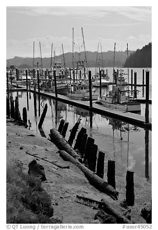 Harbor, Florence. Oregon, USA (black and white)