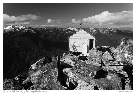 Fire lookout on Hidden Lake Peak, Mount Baker Glacier Snoqualmie National Forest. Washington (black and white)