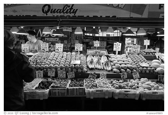 Black and White Picture/Photo: Fruit and vegetable stall ...
