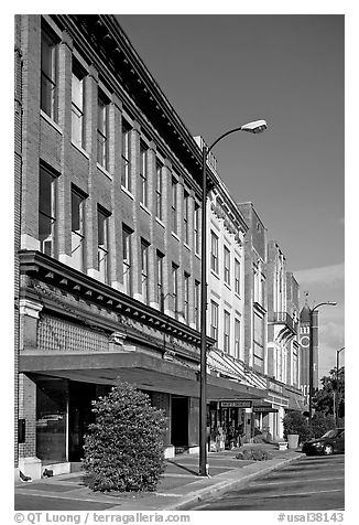 Sidewalk and historic downtown buildings. Selma, Alabama, USA (black and white)
