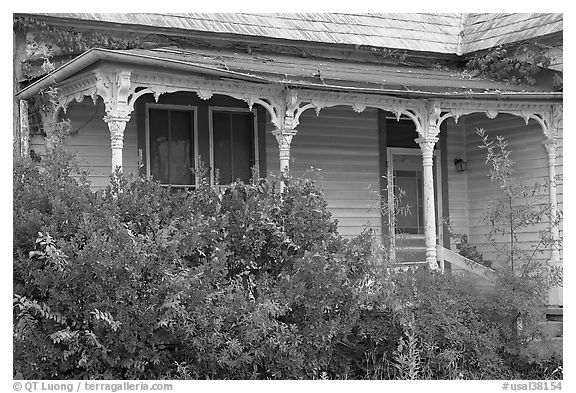 House with crooked porch. Selma, Alabama, USA (black and white)