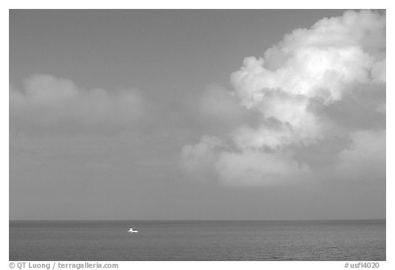 Boat on turquoise waters, Floriday Bay. The Keys, Florida, USA (black and white)