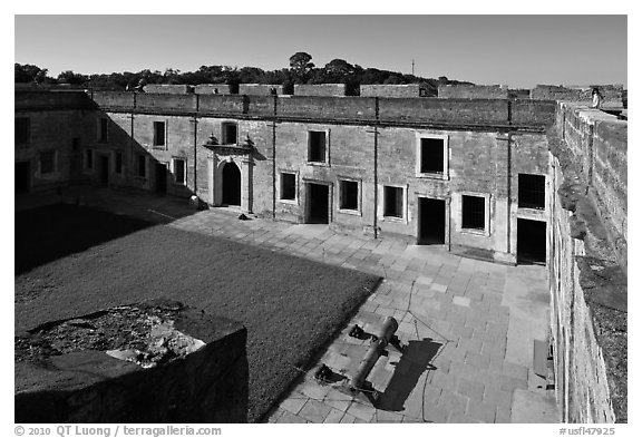 Courtyard, Castillo de San Marcos National Monument. St Augustine, Florida, USA (black and white)