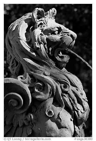 Lion fountain in front of Cotton Exchange. Savannah, Georgia, USA (black and white)