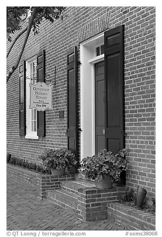 Governor Holmes brick house. Natchez, Mississippi, USA (black and white)