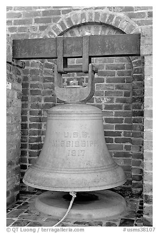 Bell from the USS Mississippi in Rosalie garden. Natchez, Mississippi, USA (black and white)
