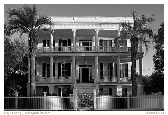 House in Beaufort style with raised basement. Beaufort, South Carolina, USA (black and white)