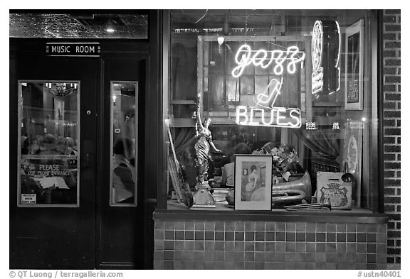 Storefront of bar with Jazz and Blues life performances. Memphis, Tennessee, USA (black and white)