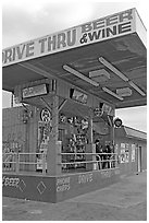 Drive-through beer and wine store. Arizona, USA ( black and white)