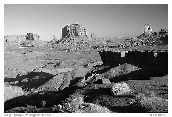 Ford Point, late afternoon. Monument Valley Tribal Park, Navajo Nation, Arizona and Utah, USA (black and white)