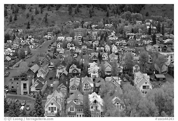 Town seen from above. Telluride, Colorado, USA (black and white)