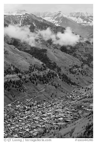 Town in mountain valley. Telluride, Colorado, USA (black and white)