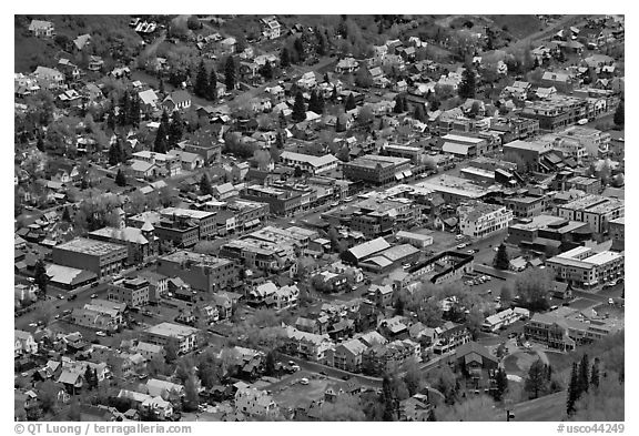 Aerial view of town. Telluride, Colorado, USA (black and white)