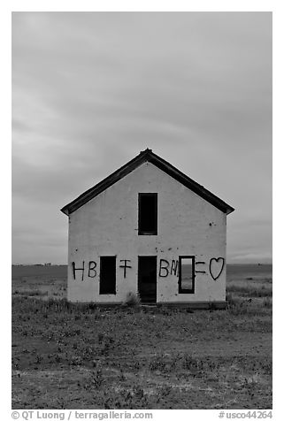 Abandoned house at dusk, Mosca. Colorado, USA (black and white)