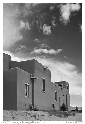 Modern church in adobe style. New Mexico, USA (black and white)
