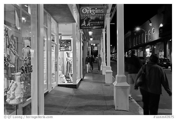 Galleries and sidewak by night. Santa Fe, New Mexico, USA (black and white)