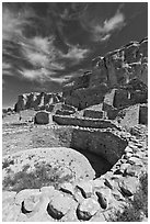 Pueblo Bonito, the largest of the Chacoan Great Houses. Chaco Culture National Historic Park, New Mexico, USA (black and white)