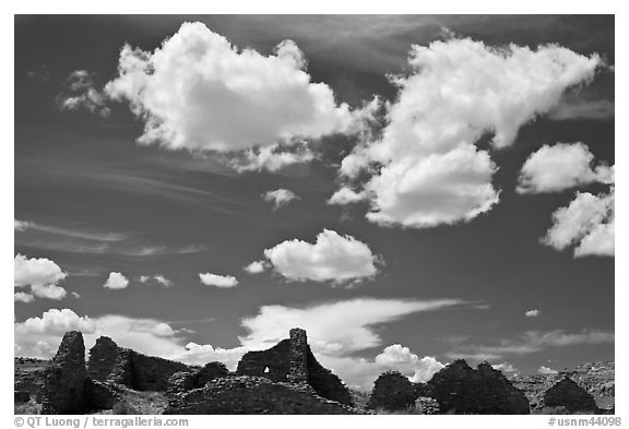 Pueblo Del Arroyo and clouds. Chaco Culture National Historic Park, New Mexico, USA (black and white)