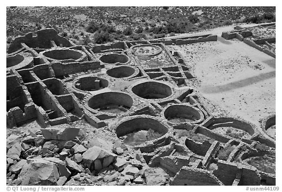 Rooms, kivas, and plaza from above  Pueblo Bonito. Chaco Culture National Historic Park, New Mexico, USA (black and white)