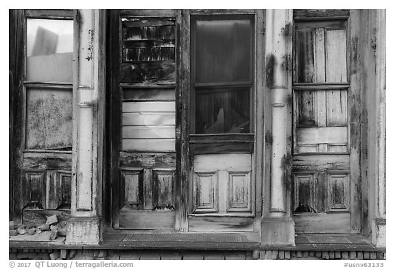 Facade of boarded-up store, Eureka. Nevada, USA (black and white)