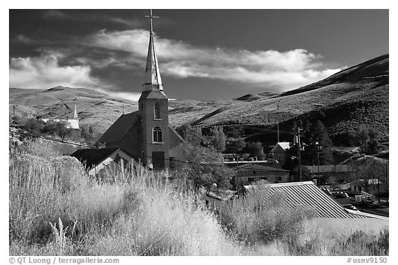 Church and town, Austin. Nevada, USA (black and white)