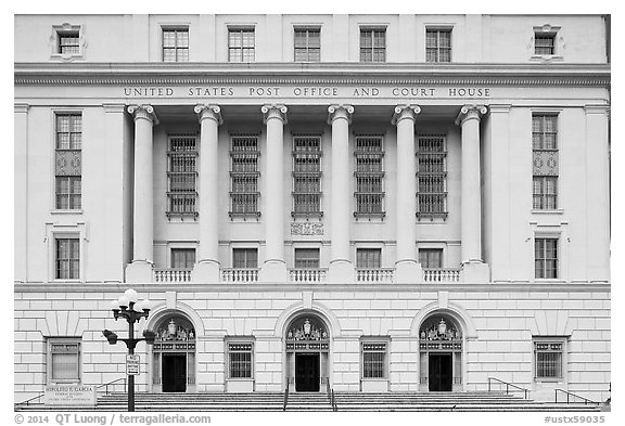 Post office and courthouse. San Antonio, Texas, USA (black and white)