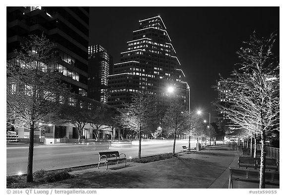 Street at night. Austin, Texas, USA (black and white)