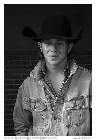 Man with cowboy hat and blue jeans. Fort Worth, Texas, USA (black and white)