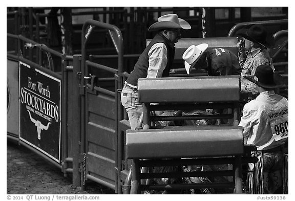 Men and gates, Stokyards Rodeo. Fort Worth, Texas, USA (black and white)