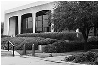 Ammon Carter Museum. Fort Worth, Texas, USA ( black and white)