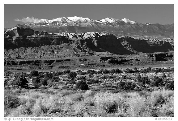 Sandstone cliffs and Henry mountains. Utah, USA (black and white)