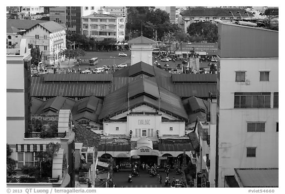Ben Thanh covered market from above. Ho Chi Minh City, Vietnam (black and white)
