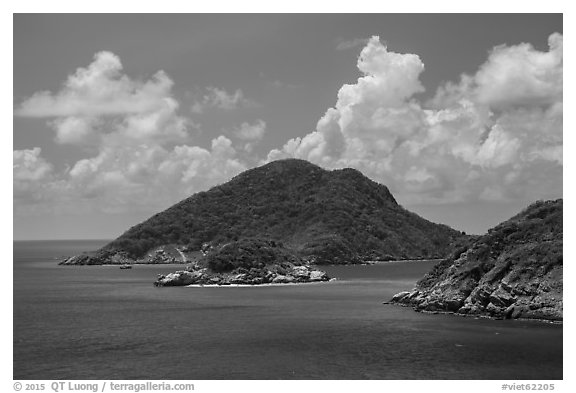 Trac Lon Islets. Con Dao Islands, Vietnam (black and white)